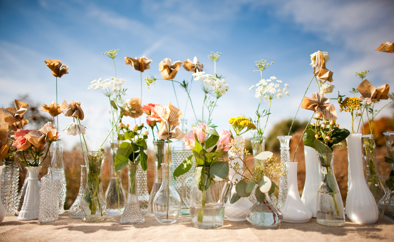 Rustic-barn-wedding-il-photographers-diy-eco-centerpieces.full