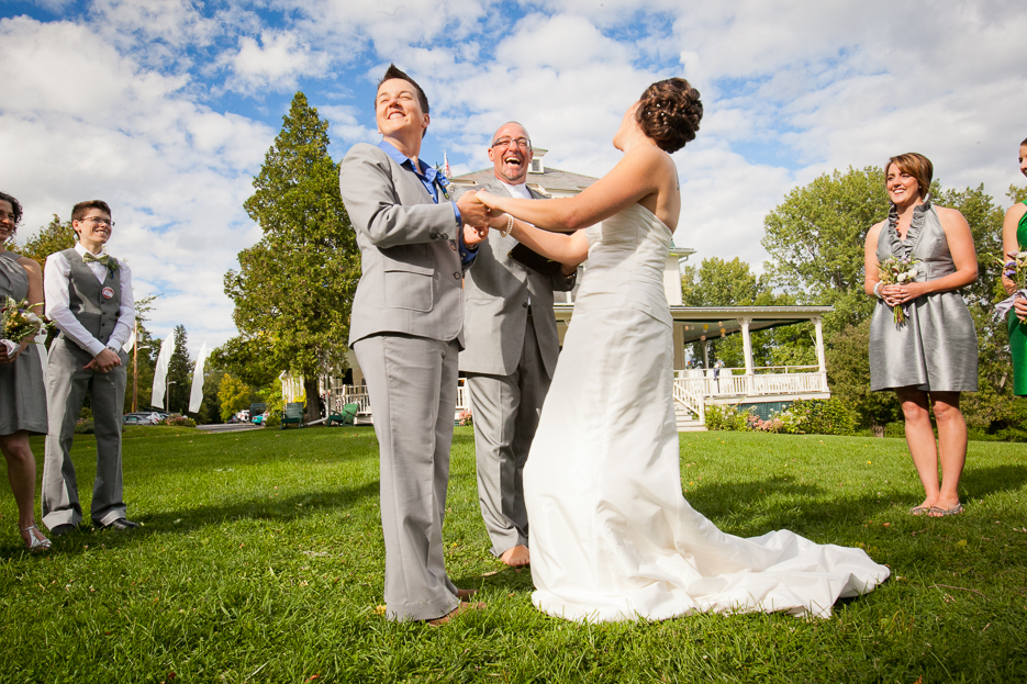 Vermont-wedding-photographer-moments-15.full