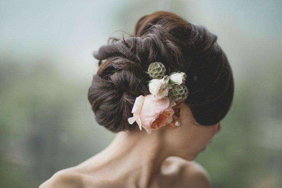 Voluminous-textured-wedding-updo-with-fresh-flowers.full