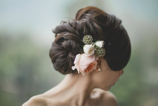 Voluminous-textured-wedding-updo-with-fresh-flowers.medium_large