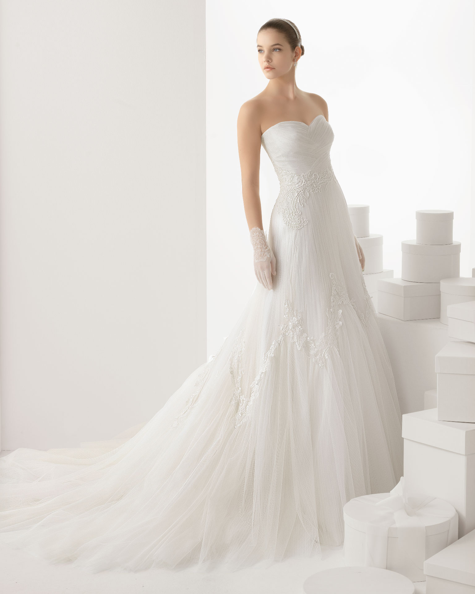 Rosa clara wedding dress 2014 bridal carlota for Rosa clara wedding dresses
