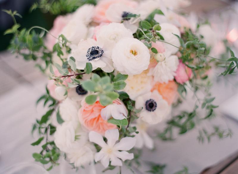 Anemone-ranunculus-garden-rose-romantic-wedding-centerpiece.full
