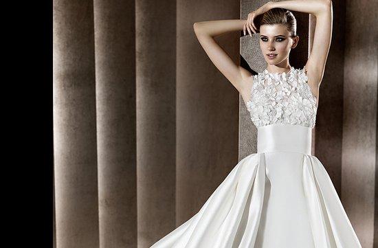 photo of Belisama wedding dress by Elie Saab, 2012