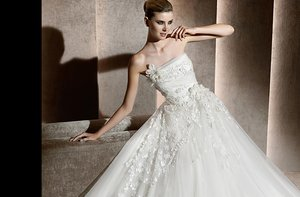photo of Elie Saab's Stunning 2012 Wedding Dresses