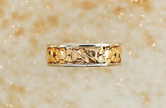 antique two tone gold wedding band