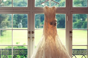 photo of 12 Must-Have Wedding Photos for 2012