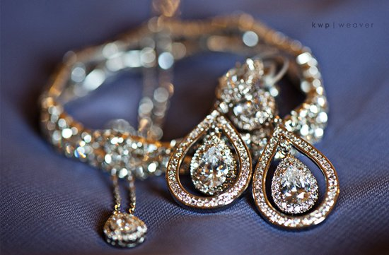 wedding photography must have wedding photos bridal jewelry