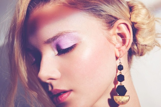 pale lilac slick eyeshadow for summer weddings beauty trends