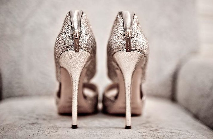 wedding photography must have photos bridal heels jimmy choo