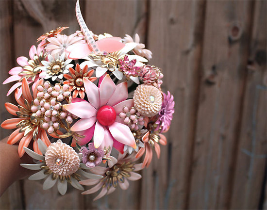 unique wedding flowers vintage brooch bouquet 1