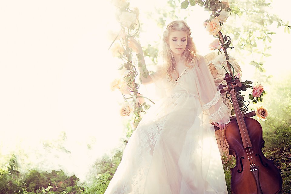 Ethereal-summer-wedding-ideas-floral-swing.full