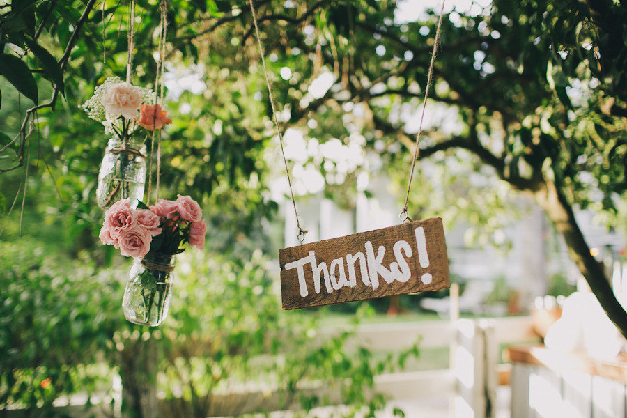 Rustic-wood-wedding-sign-to-thank-guests.full