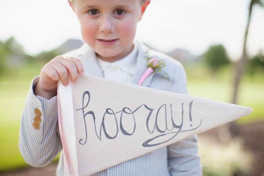Unique-wedding-signs-hooray-penant.full