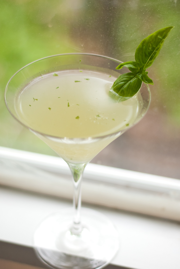 Basil Gimlet wedding signature drinks