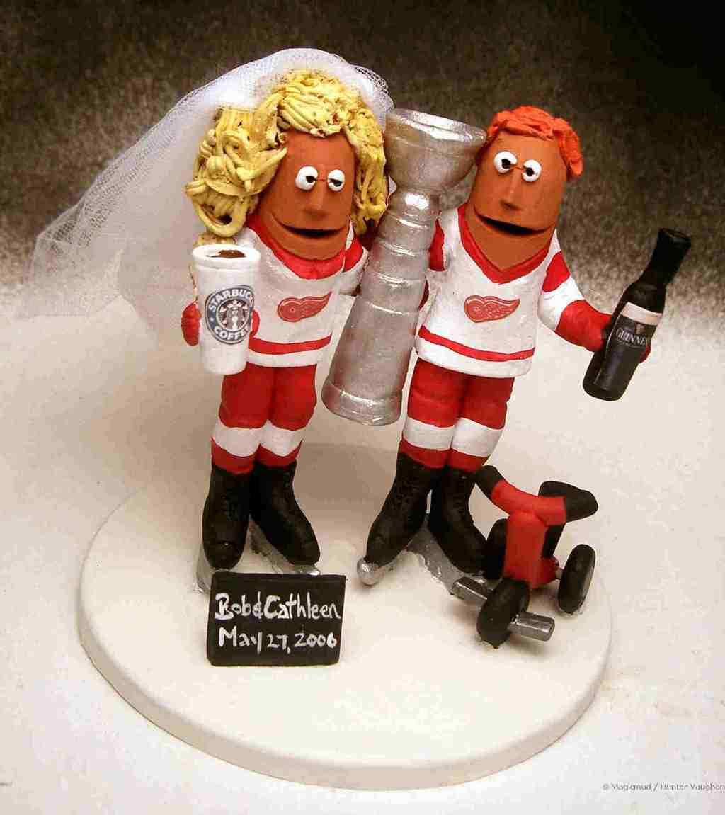 theme wedding ideas stanley cup cake topper