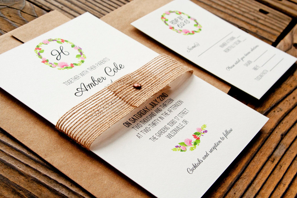 Floral-wreath-elegant-wedding-invitations.full