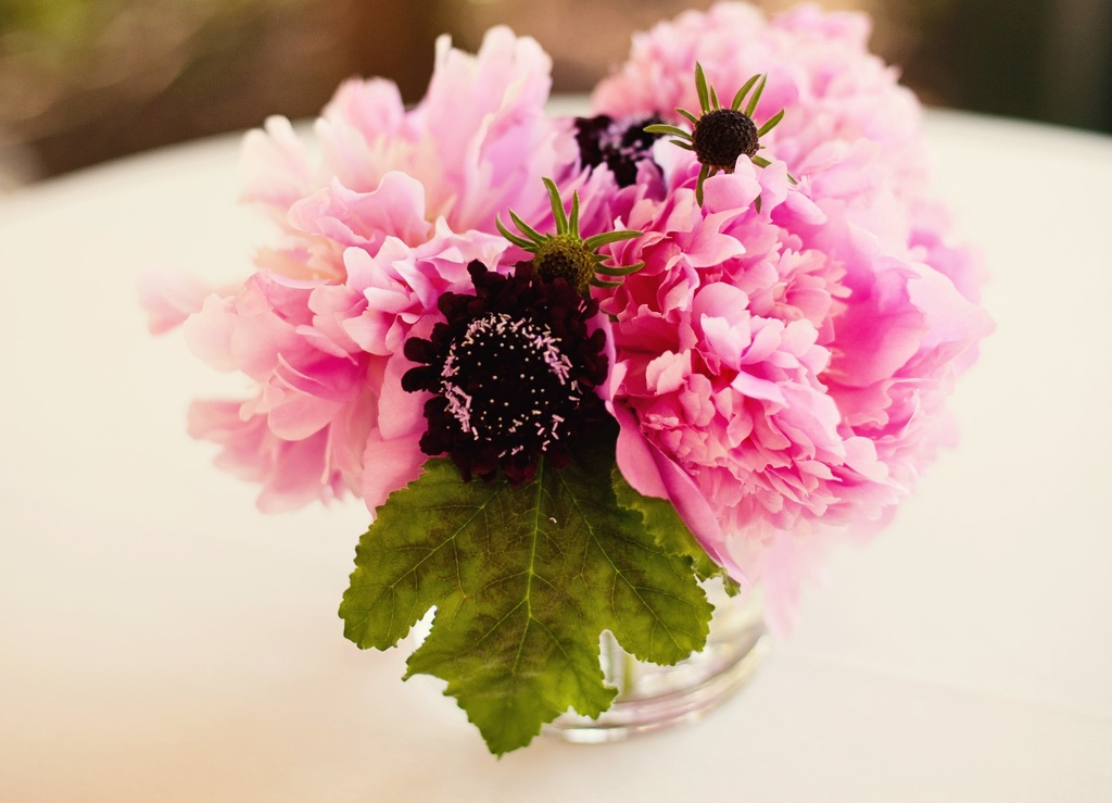 Bright-petal-pink-simple-wedding-centerpiece.full