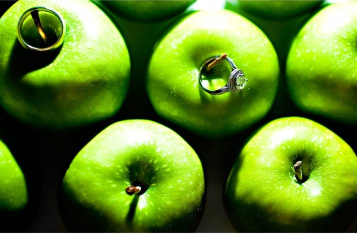 Engagement-ring-wedding-photography-green-apples-cushion-cut.full