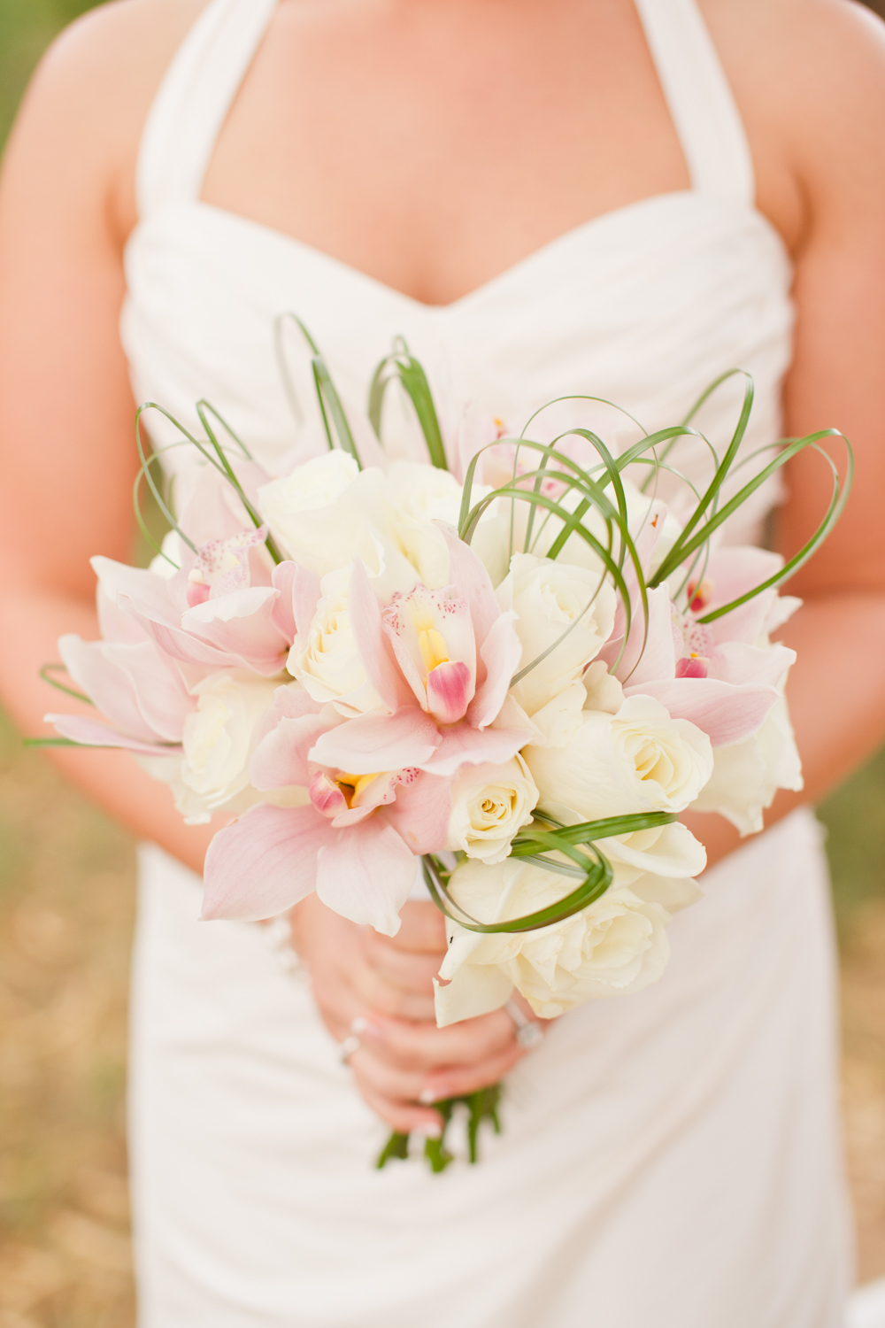 Exotic-yet-classic-ivory-and-pink-bridal-bouquet.full