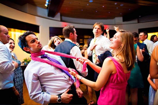 funny wedding photos reasons to stay sober at reception 2