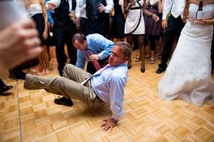 photo of funny wedding photos reasons to stay sober at reception 3