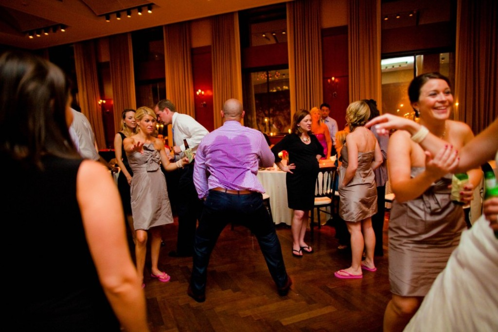 Funny Wedding Photos Reasons To Stay Sober At Reception 9