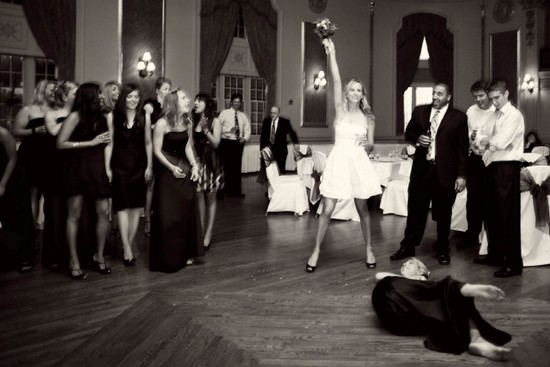 funny wedding photos reasons to stay sober at reception 6