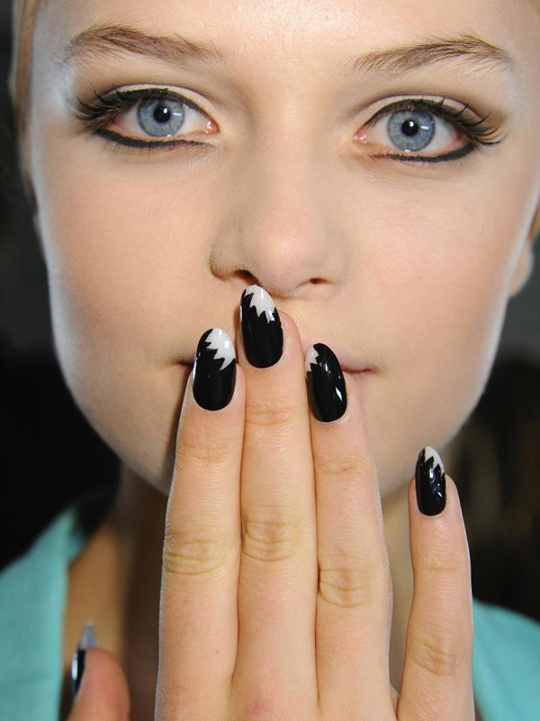 Mod-inspired-bridal-mani-black-and-ivory.full