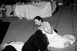 photo of funny wedding photos reasons to stay sober at reception 9