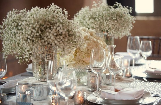 white wedding flower receptionc enterpieces