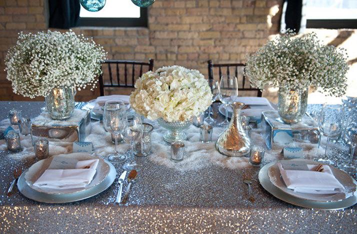 white-wedding-flowers-centerpieces-silver-decor.original Свадебные диадемы: как выбрать диадему на свадьбу.