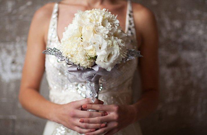 Winter-wedding-white-bridal-bouquet-silver-details.full