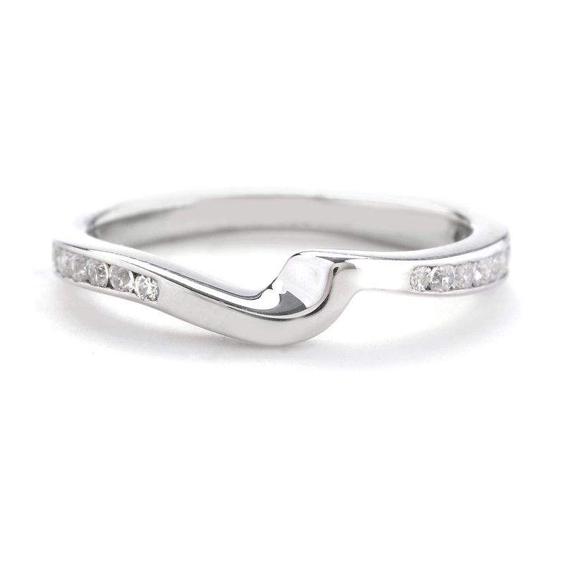 platinum curve shadow wedding band with channel set
