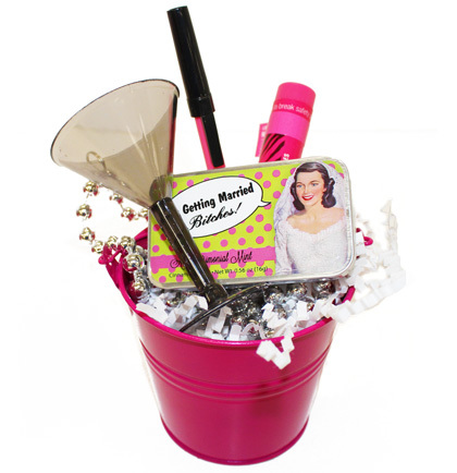 Gift Basket Bachelorette Favor Bucket im getting married