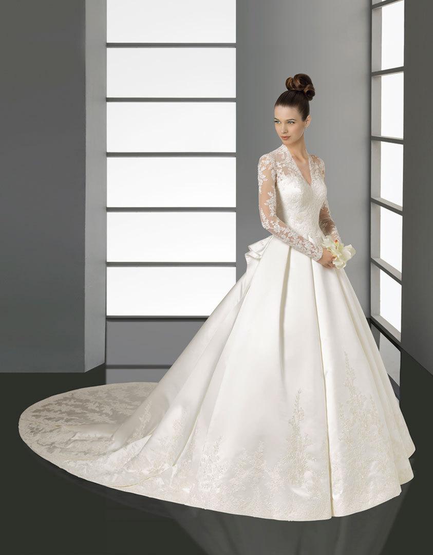 Kate-wedding-dress-aire-barcelona.full