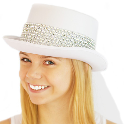 Hat top hat white luxury glam with veil on model