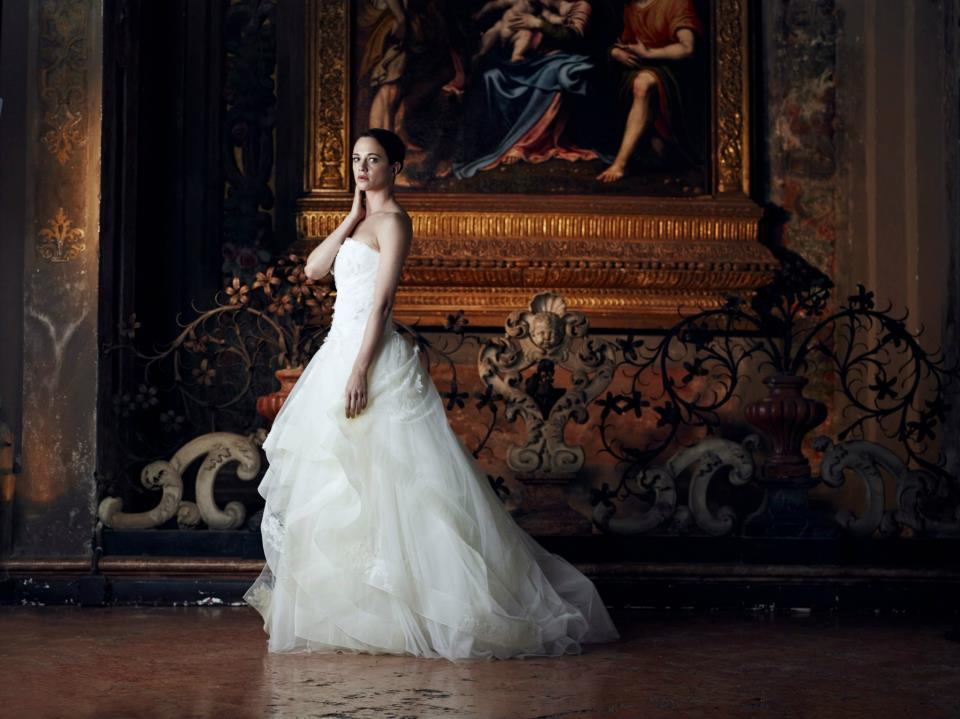 Alberta-ferretti-wedding-dress-forever-bridal-2013-6.full