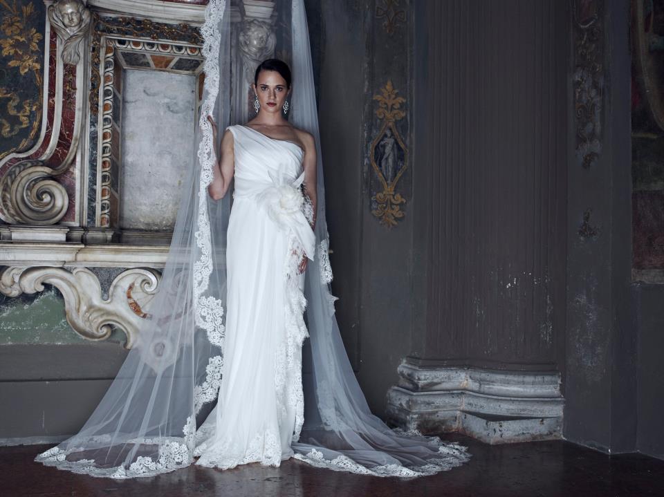 Alberta-ferretti-wedding-dress-forever-bridal-2013-5.full