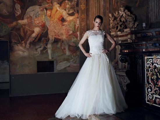 Alberta Ferretti Wedding Dress Forever Bridal 2013 4