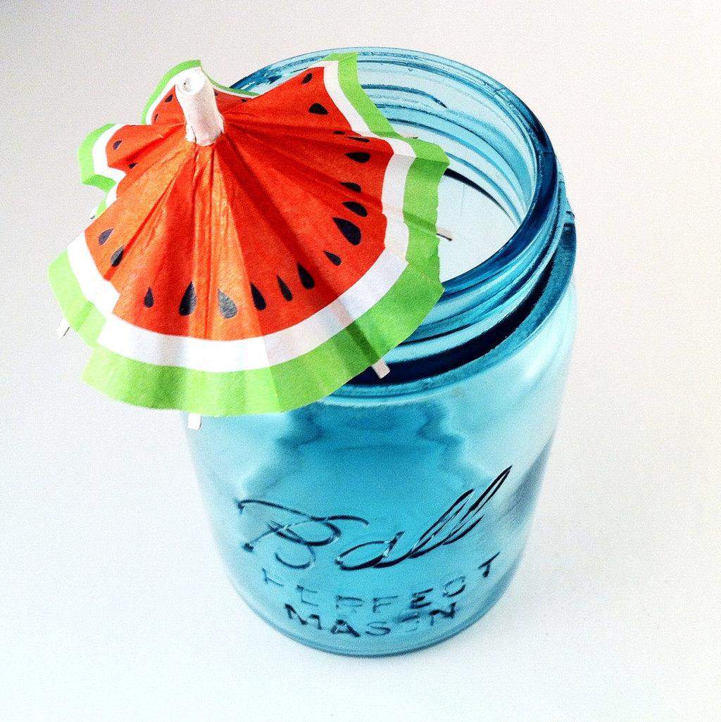 Mason-jar-wedding-favors-with-watermelon-drink-flag.full
