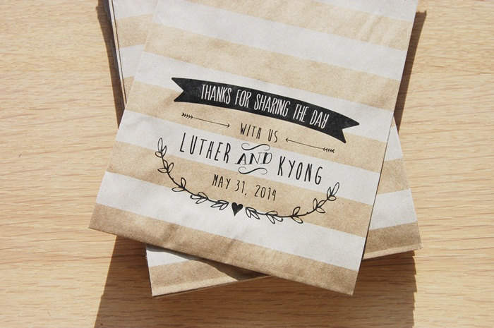 Striped kraft paper wedding favor bags OneWed.com