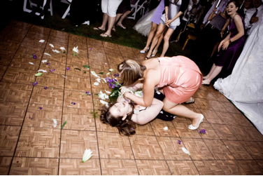 Wedding-traditions-bridal-bouquet-toss-4.original