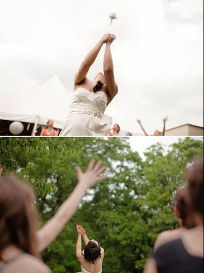 wedding traditions bridal bouquet toss 1