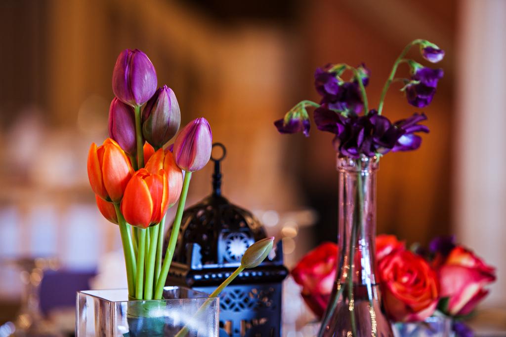 Orange-and-purple-wedding-flowers-at-oregon-reception.full