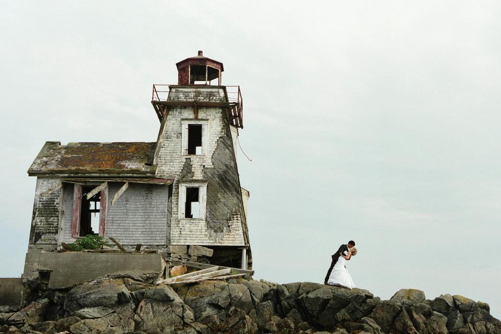 East coast destination wedding groom dips bride for East coast wedding destinations