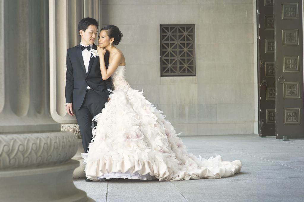 Amazing-chicago-wedding-photographers-studio-this-is-2.full