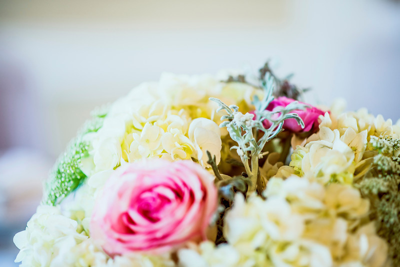 Pale-yellow-and-bright-pink-wedding-flowers.full