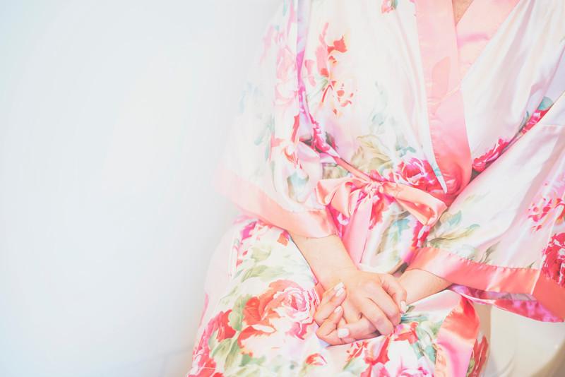 Romantic-san-diego-wedding-in-summer-floral-kimono.full