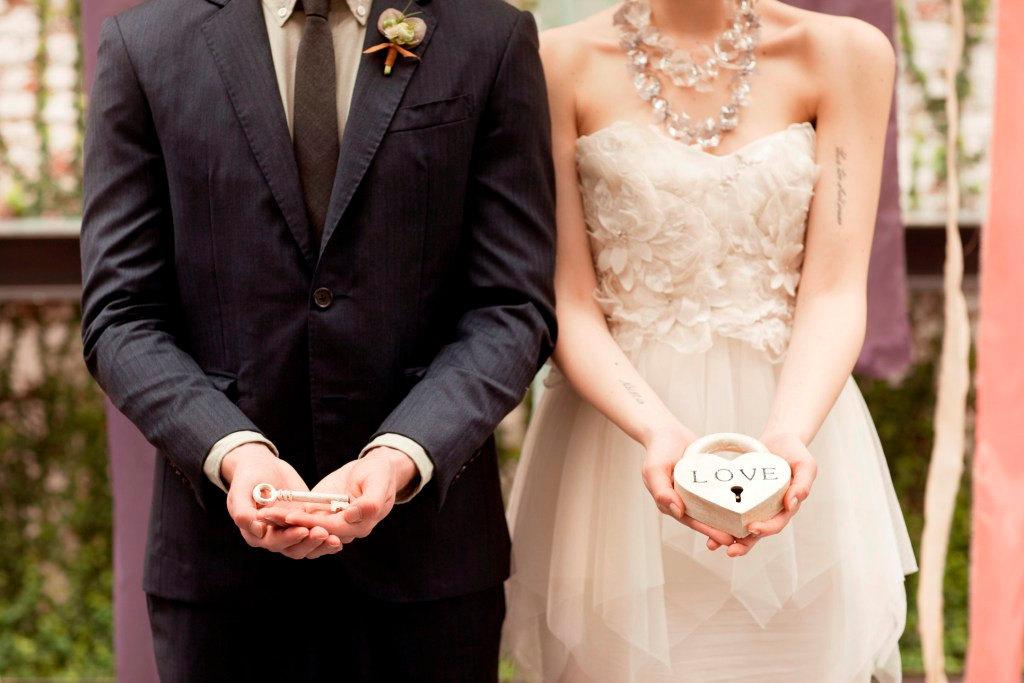 Skeleton-key-love-wedding-gift.full