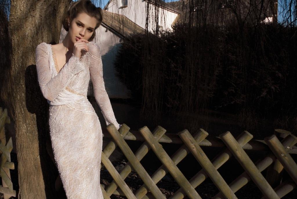 Lace-sleeved-wedding-dress-by-inbal-dror.full